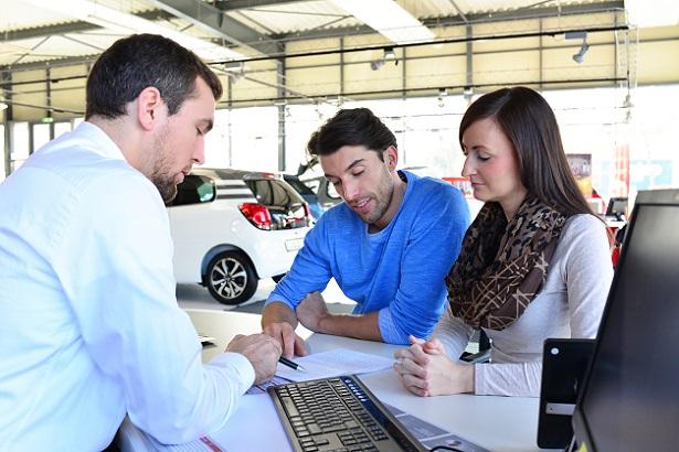 Ein seriöser Händler lässt seinen Kunden ausreichend Zeit, sich für ein Auto und auch für eine optimale Vertragsgestaltung zu entscheiden.