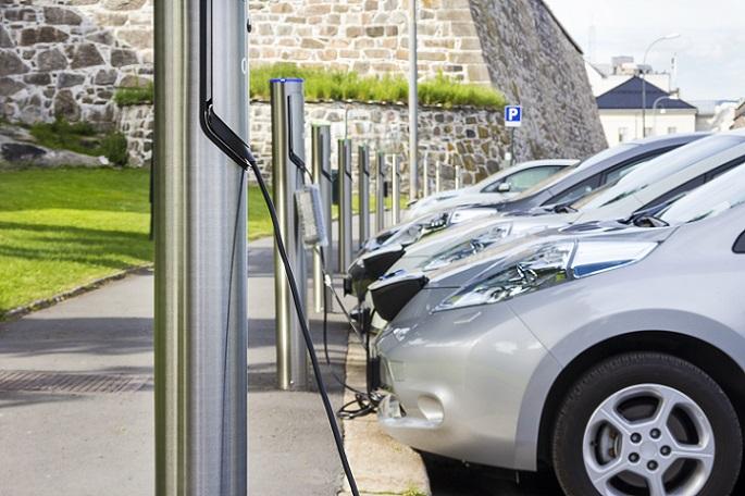 All diejenigen, die häufiger Kurzstrecken zurücklegen müssen – ob zur Arbeit, zum Einkaufen oder zum Abholen der Kinder – kommen als Zielgruppe für das Elektroauto. (#02)