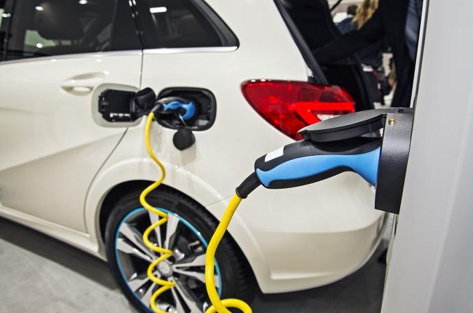 Der im Elektroauto integrierte Scheibenläufermotor sowie die Blei-Vlies-Batterien, sorgen für einen geringen Energieverbrauch und dafür, dass das mobile Gefährt keinerlei CO2 ausstößt.(#03)