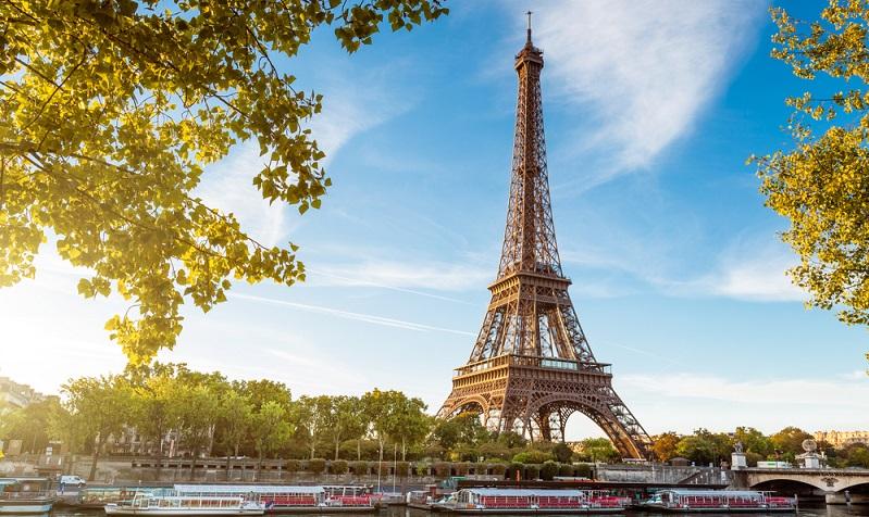 Die Hauptstadt Frankreichs zu besuchen, ist natürlich Pflicht bei allen Städtereisen. Dabei muss die Stadt nicht zwingend als Stadt der Liebe gesehen werden – auch Nicht-Romantiker kommen hier auf ihre Kosten. (#01)