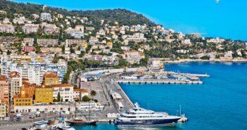 Bei Städtereisen Frankreich mit dem Auto erkunden