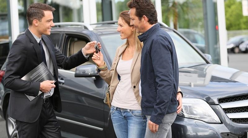 Im Allgemeinen werden die Leasingverträge für zwei bis fünf Jahre abgeschlossen. Nach dieser Laufzeit gibt man den Wagen wieder ab. (#01)