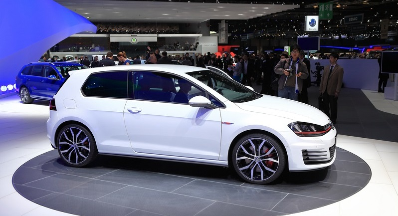 In der Stadt zählen kleine Abmessungen, übersichtlicher Wendekreis sowie ein guter Rundum-Blick. Am besten in einem Auto vereint das der VW Golf und kann daher diese Kategorie für sich entscheiden. (#03)