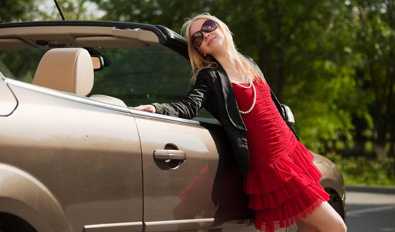 Wer bei einer Losziehung ein Auto gewinnt und dieses innerhalb eines Jahres verkauft, handelt es sich um einen Spekulationstatbestand, der einkommensteuerpflichtig ist. (#02)