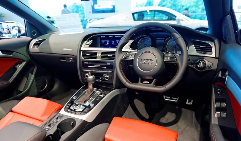 Die sportliche S5 Cabrio-Variante ist das Top-Modell der Audi-Cabrio-Flotte. (#01)