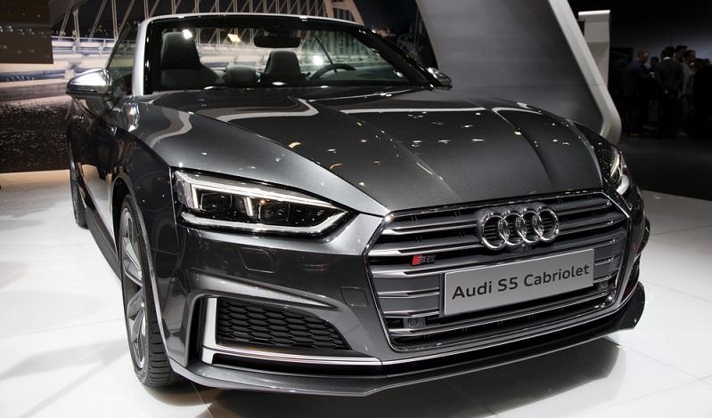 Das Audi A5 Cabriolet ist 4,67 m lang und damit 5 cm länger als das Vorgänger-Modell. (#02)