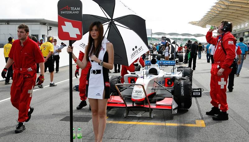 Bleibt abzuwarten, wie sich die Formel 1 weiter entwickeln wird und welche angeblich erfolgreichen neuen Ideen in Zukunft die Fahrer, die Teams sowie die Öffentlichkeit betreffen. (#02)