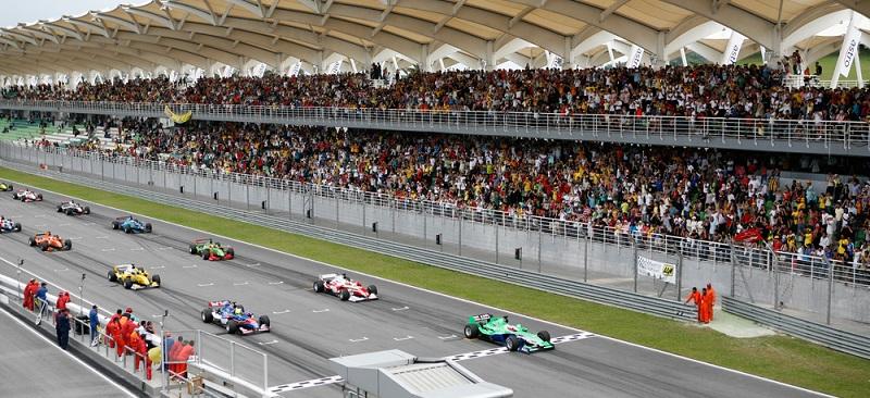 Die Formel 1 ist spannend und hält immer wieder Überraschungen parat. Dabei ist das Angebot an verschiedenen Wettformen in diesem Bereich groß und so findet auch ein Anfänger die perfekte Wettmöglichkeit. (#04)