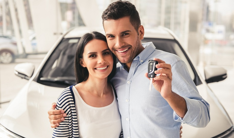 Wenn eine Person ein Auto gekauft hat, muss sie dieses zulassen, bevor sie es nutzen kann. Hierfür ist es jedoch notwendig, bei der Zulassungsstelle die sogenannte eVB-Nummer vorzulegen. (#02)