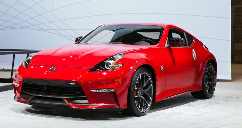 Einzigartiges Fahrgefühl, hoher Komfort und ein schickes Design – ein Sportwagen überzeugt sowohl von innen als auch von außen auf ganzer Linie. (#05)