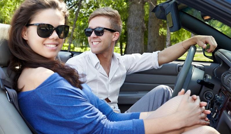 Wichtig: Wenn noch jemand mitfahren möchte, sollten Sie unbedingt den Zweitfahrer mit in den Mietvertrag aufnehmen lassen. (#06)