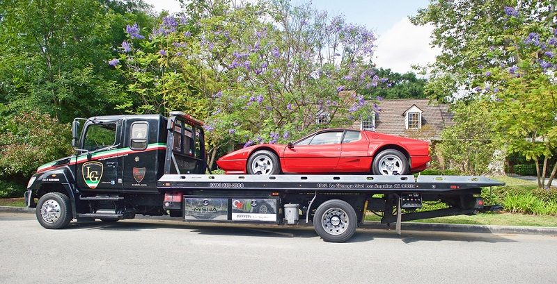 Insbesondere bei Sportwagen steigen die Versicherungskosten erheblich im Vergleich zu anderen Fahrzeugen an.