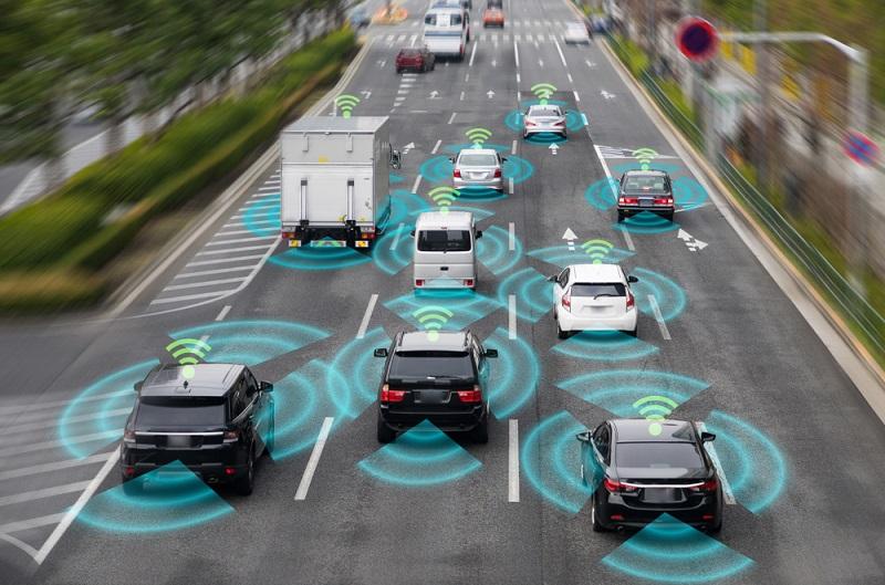 Die V2X Communication ist auch für das Fahren in einer Kolonne von großer Bedeutung. (#02)
