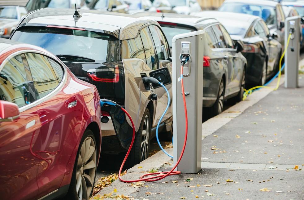 Elektroautos gewinnen immer mehr an Bedeutung. (Foto:  shutterstock - Scharfsinn, #1)